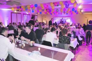 Plus d'une centaine de personnes ont participé au repas concert à Dannemois.