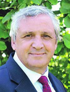 Bernard Vera, maire de Briis-sous-Forges, reprend sa place de sénateur de l'Essonne.