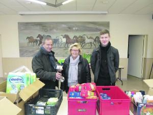 Au centre avec Matteo qui a eu l'idée d'étendre la collecte en centre-ville pour récolter encore plus de dons.