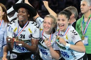 Marine Desgrolard fête le titre avec Brest. ©DR