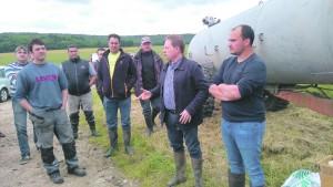 Le monde agricole réunit sur les terres de Christophe Lanneau, à la ferme des Messis de Chevannes.