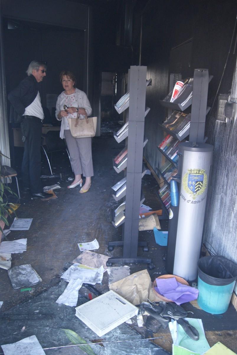 athis mons incendie l 39 espace municipal des seniors. Black Bedroom Furniture Sets. Home Design Ideas