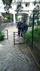 Longjumeau le centre ville en cours d 39 vacuation - Piscine a vague etampes ...