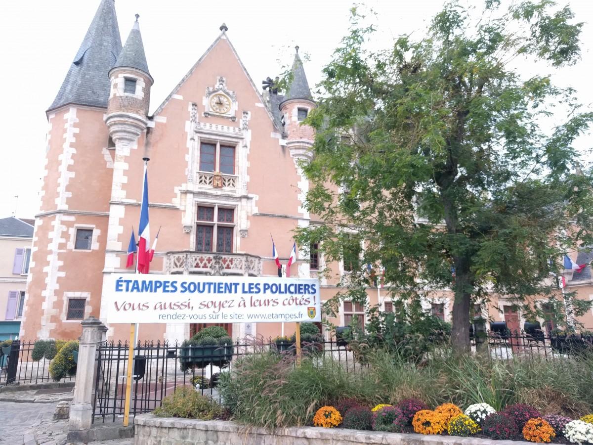 Etampes nouvelles newslocker for Chateau etampes