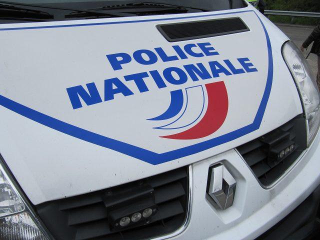Essonne trois hommes crou s apr s la d couverte de 181 for Garage des vigneux