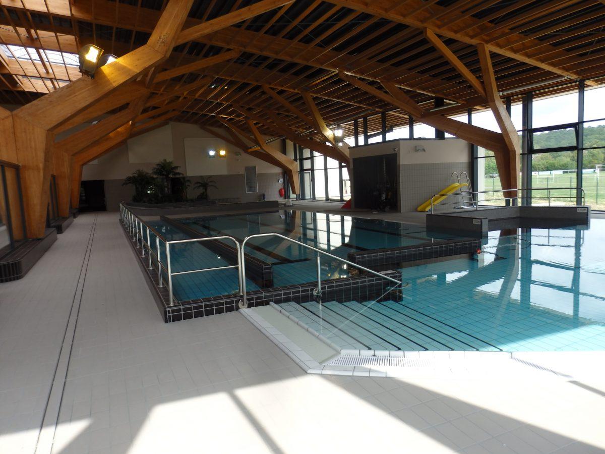 communaut de communes des deux vall es la piscine enfin inaugur e. Black Bedroom Furniture Sets. Home Design Ideas