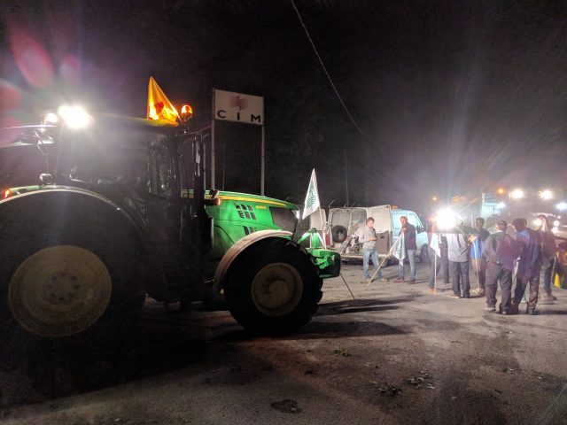Les agriculteurs ont débuté leurs actions — Blocage des raffineries