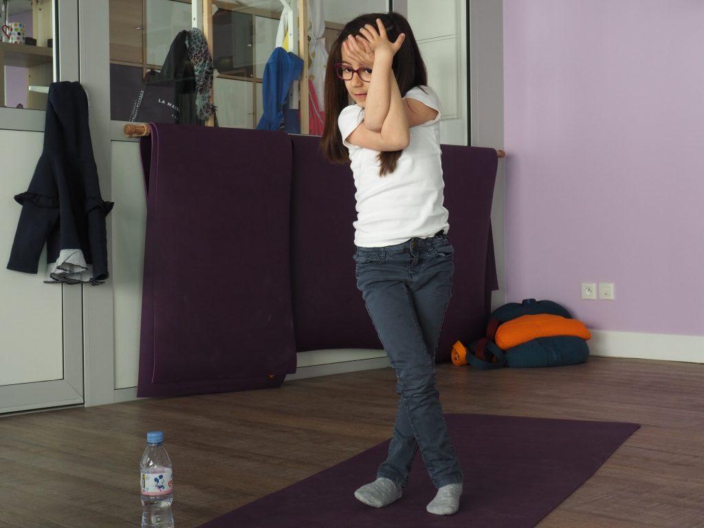 cours yoga enfants studio 59 posture corps respect arpajon essonne