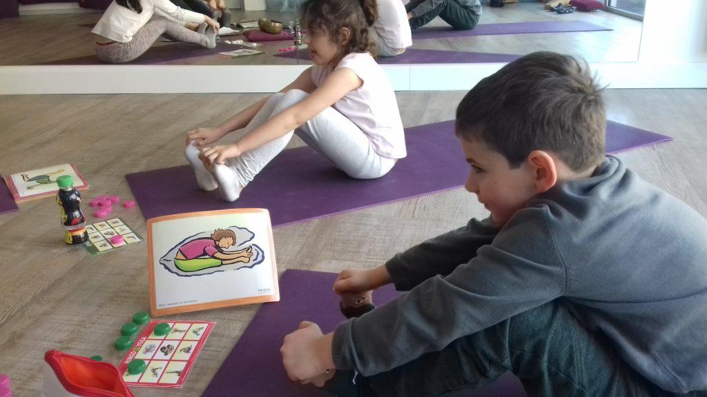 cours yoga enfant posture corps respect bingo arpajon studio 59